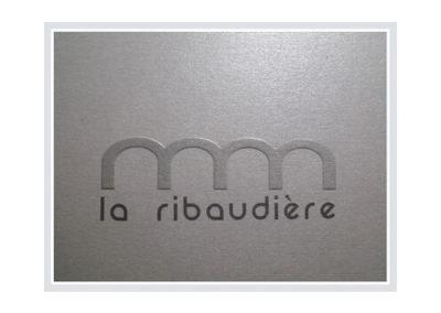 http://laribaudiere.com/